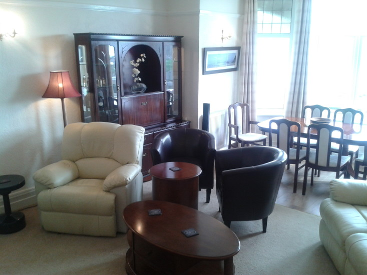 Guest lounge and diningroom