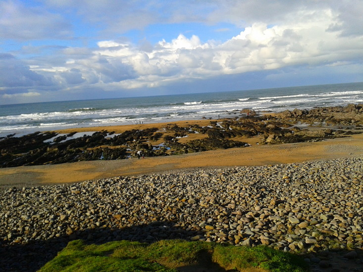 2015-11-22-10.36.26 Beautiful Bude Today and a lost hat!